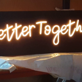 Rótulos neón led-cristal BETTER TOGETHER  150 X 45 x 3 cm   REF2055 LEDS